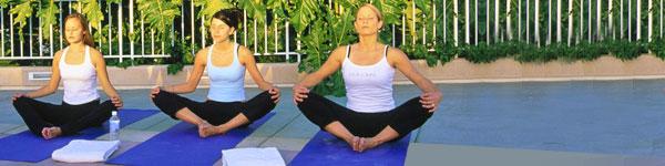 outdoor-yoga-women.jpg