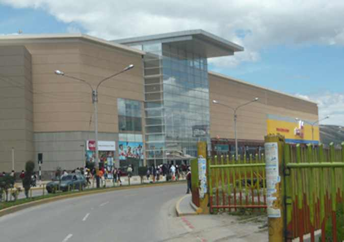 Peru shopping Center1