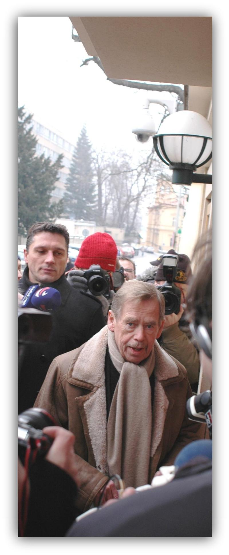 Vaclav Havel outside the Chinese embassy in support of dissident Liu Ziabao.