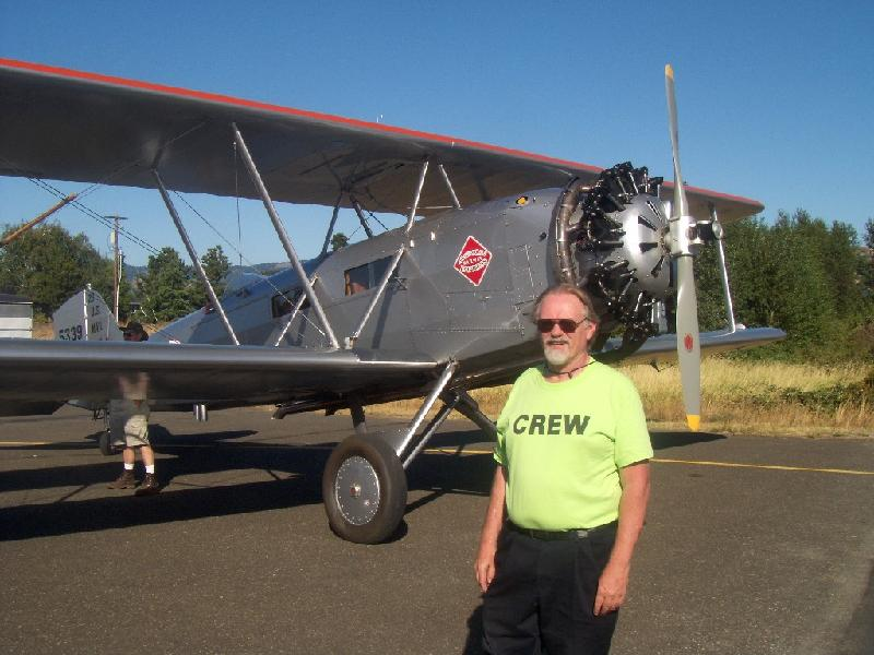 Ken Ollson & the Boeing 40, after the flight. A happy guy