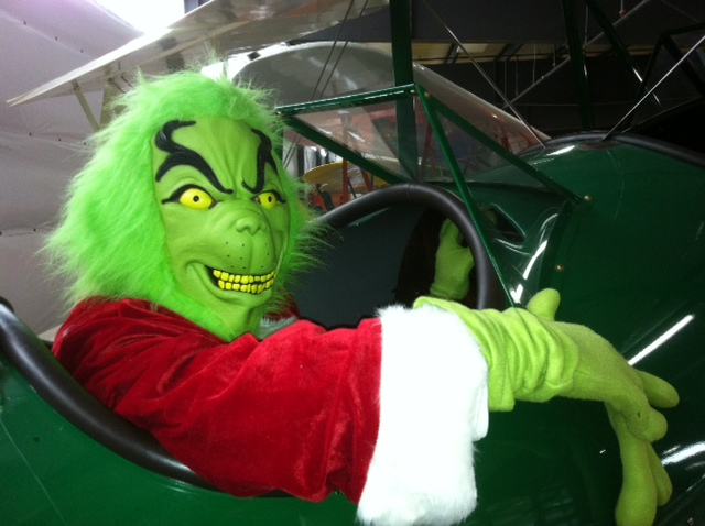 Grinch flys to WAAAM