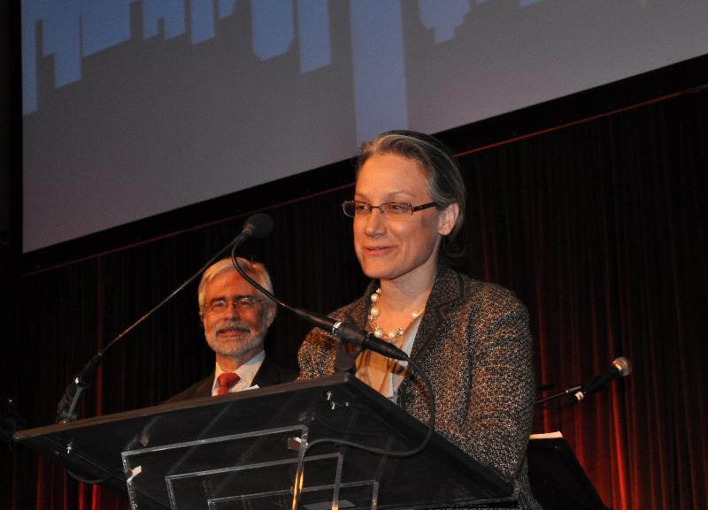 Dr. David Heath, Ms. Ilise Lombardo for Pfizer Ophthalmics (honoree)