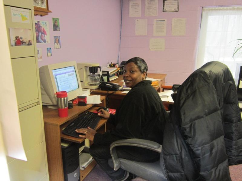 Senior Service Coordinator Kamilah Richardson enjoying her new workspace