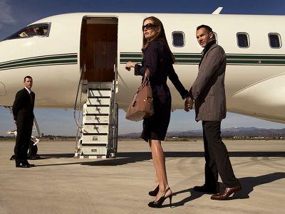 Sentient Jet Couple
