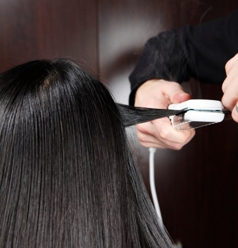 Keratin treatment vs amino acid hair straightening - Salon straightening treatments ...