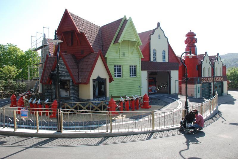 Attraction exterior - Children's Firestation