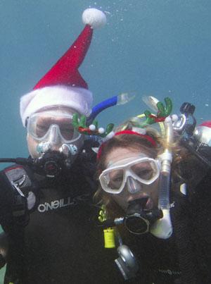 Santas Dale and Teri