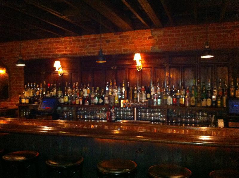 Chez Billy Bar