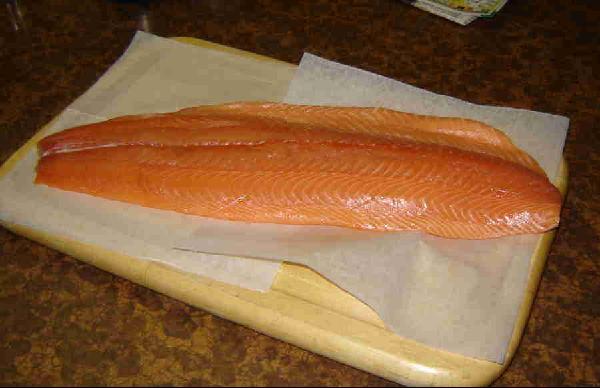 2.5lb Raw Salmon Filet