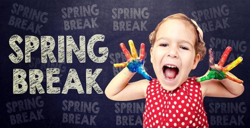 Happy little child announcement the Spring Break