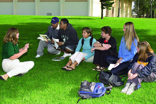 Grossmont Students Studying