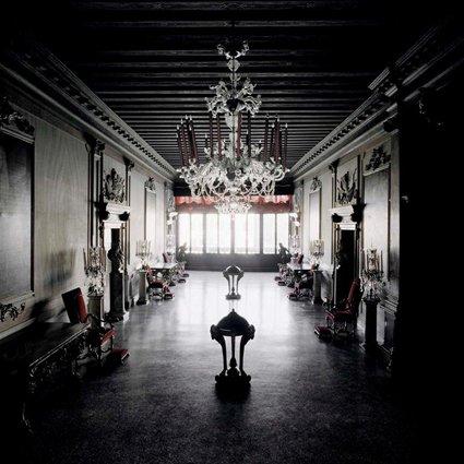 Matthias Schaller - Controfacciata, Palazzo Volpi, 2005