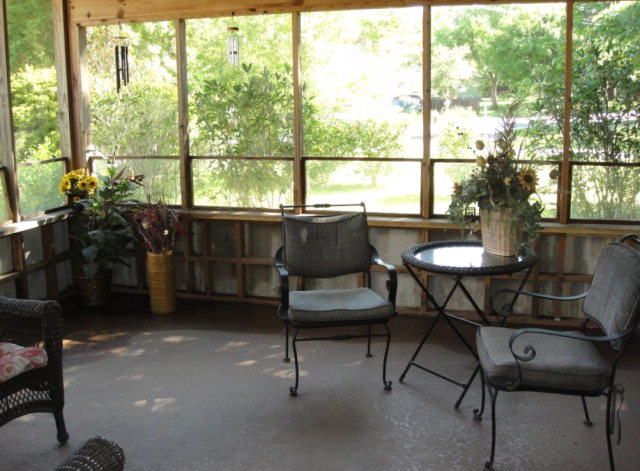 575 Morphy Ave Fairhope Al Screened in ack porch