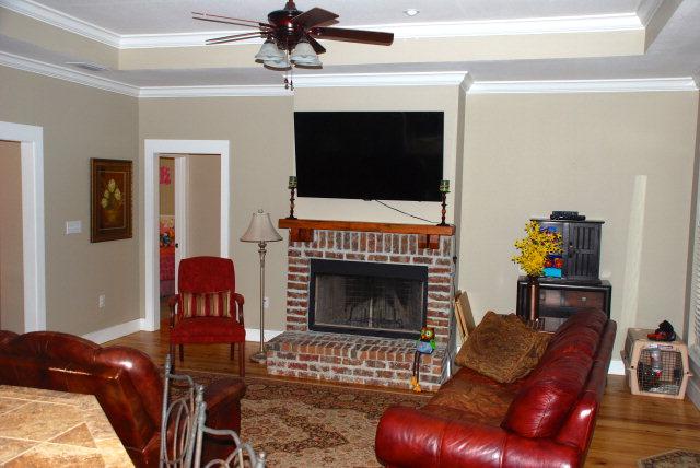 205 Lake Ridge Living Room