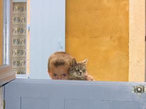 Garcon avec chat