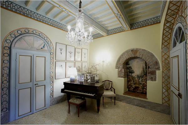 Todi grand piano