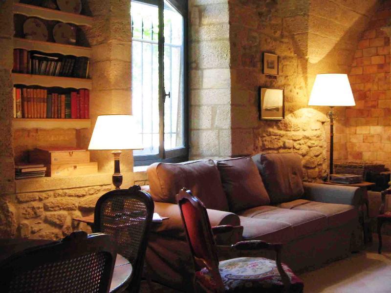 le M sofa new