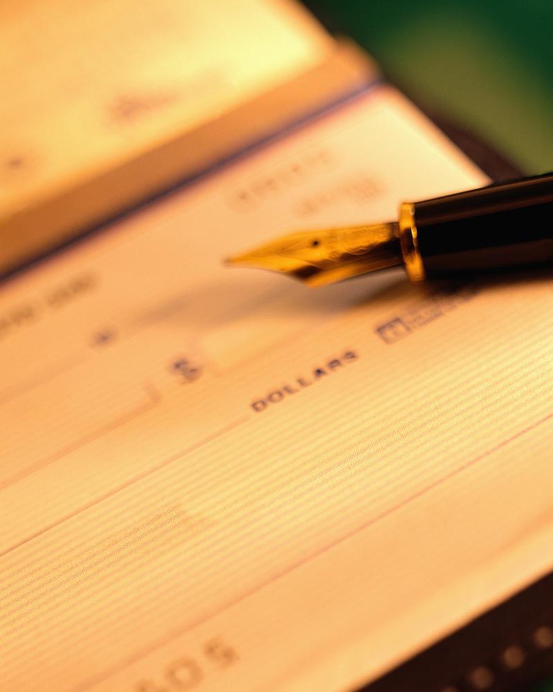 checkbook&pen