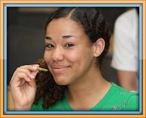 Illumina - bordered girl eating bean