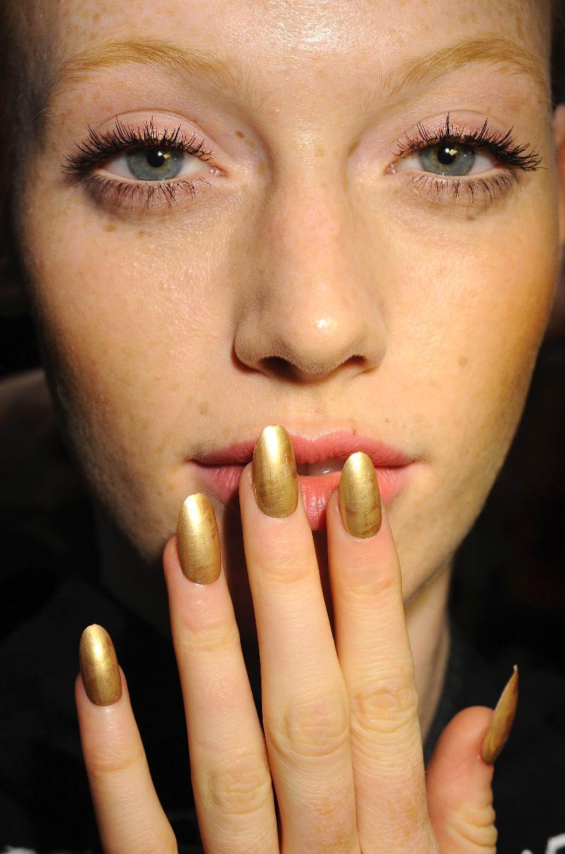 Fashion Nails By Steph: FASHION FRIDAYS.....