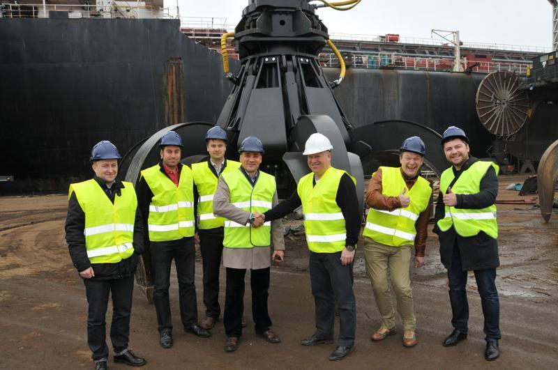 Barge-mounted E-Crane for Volga Shipping