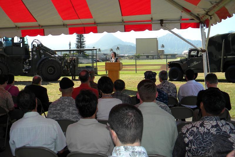 Kelly King speaks at MCB-Hawaii