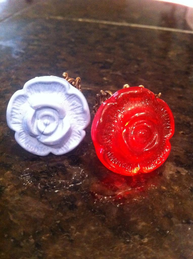 Utee Rosebud Rings