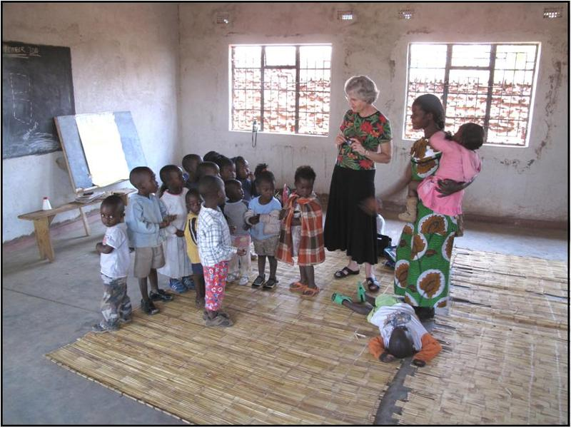 Beverly Kubik visits classroom