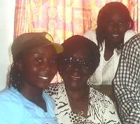 Theresa Chichaya in center