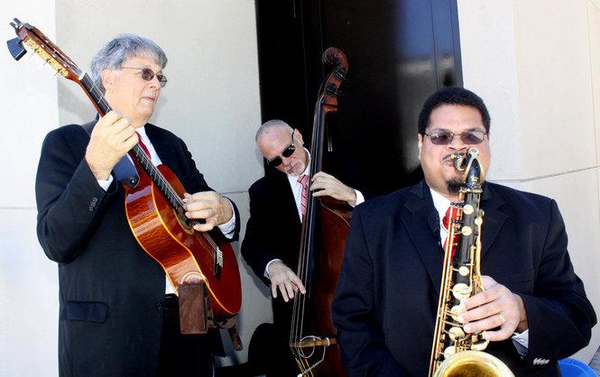 JR Trio