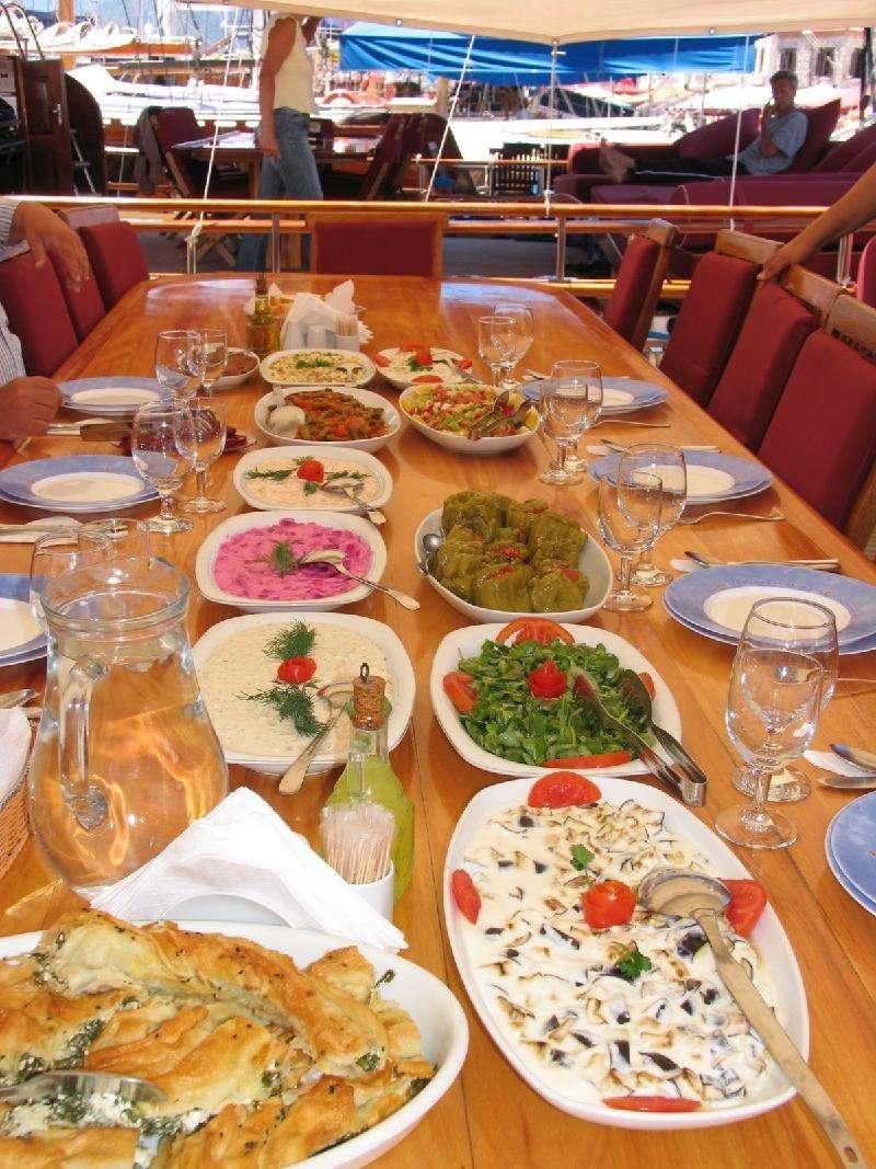 BAHTUHAN Lunch