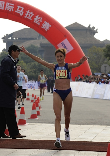 1st place in the 2007 Toray Cup Shanghai Marathon
