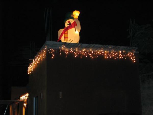 Chacala rooftop snowman