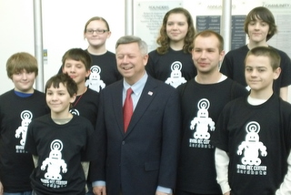 Aardbots Meet Governor Heineman