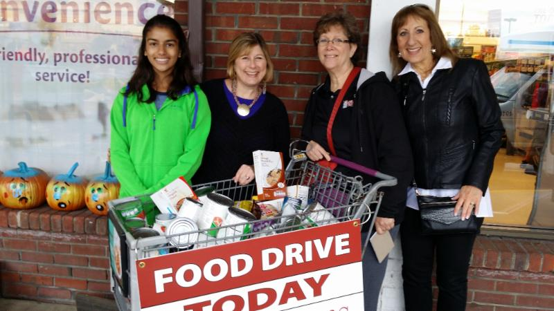 Giant food drive Oct 2015