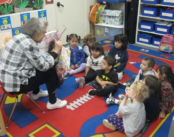 Mrs. Castro Reads to Room E