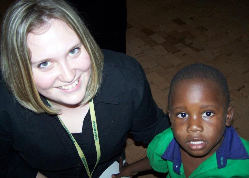 09 Uganda - Beka with little Ugandan boy