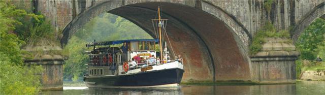 Boat ride to Mapledurham village