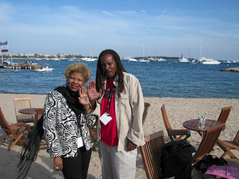 Cannes-Jackie, JacquieHigh Five to Mama Africa