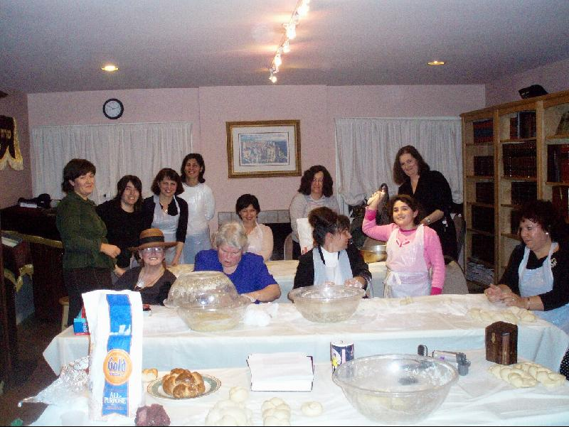 women's challah baking