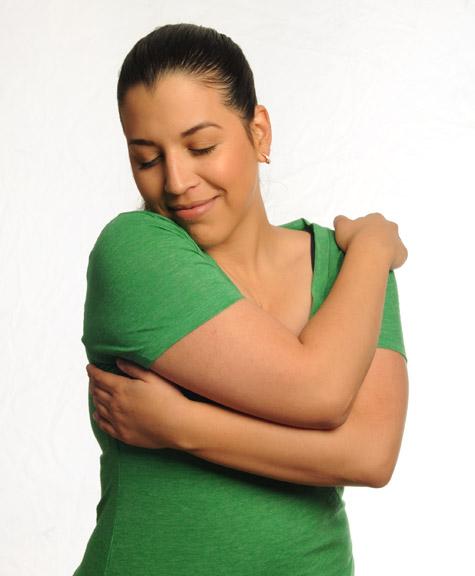 SYL Hug Green Tshirt