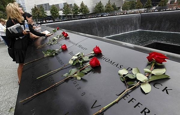 911 memorial with roses