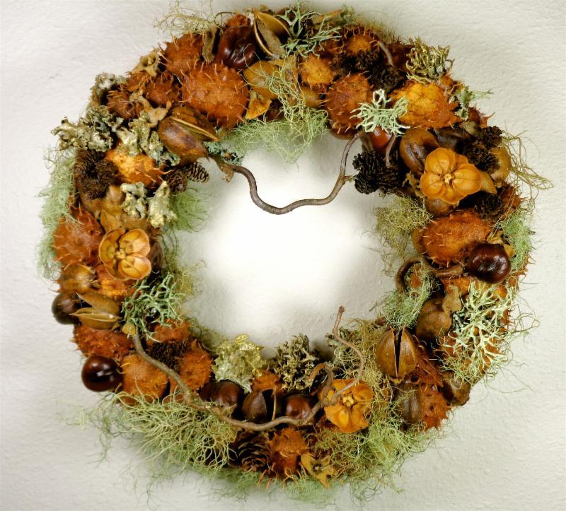 Stunning natural materials wreath by Ann Girard.