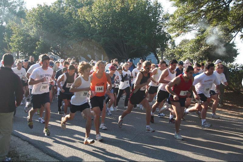 Old Village Harbor 5K Run Start 2007