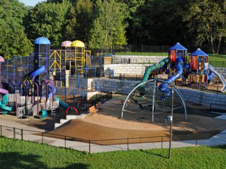Hyland Lake Play Area