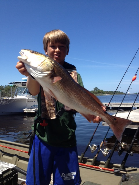 Chase N Fish Red