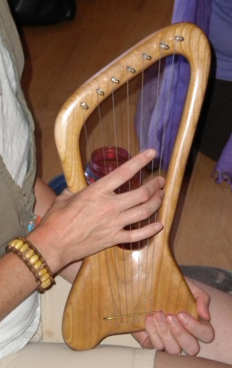Learning how to play the Lyre boulder