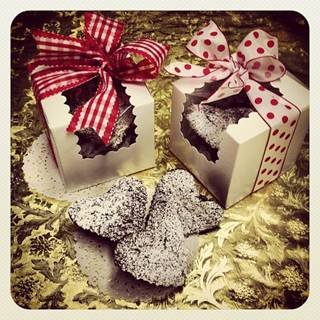 Model Bakery brownie hearts