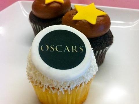 Kara's Oscar cupcake