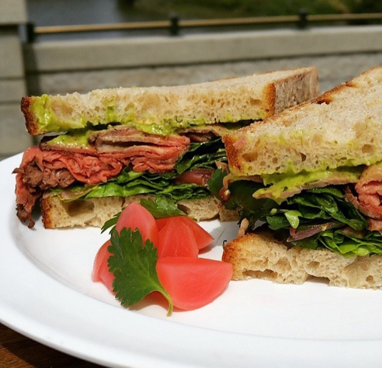 Five Dot roast beef sandwich